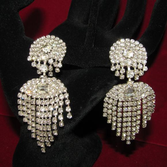 NWT Capri Chandelier Rhinestone Drop Earrings VTG